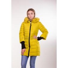 Куртка зимняя женская Lora Duvetti 6065 желтая с мехом